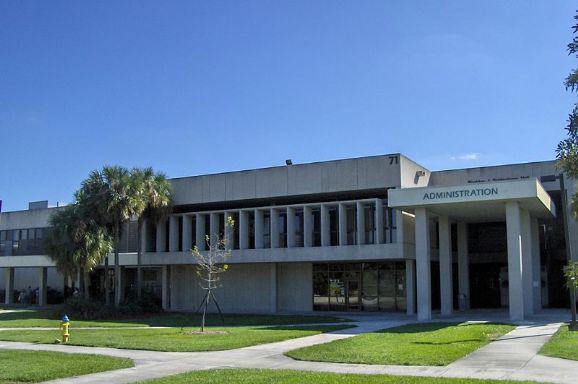布罗瓦德社区学院
