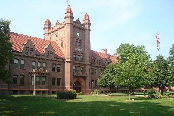 密利克大学