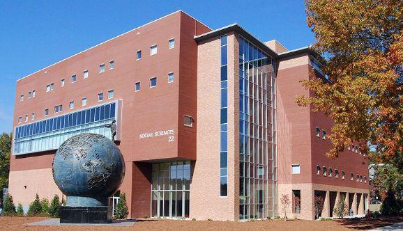 肯尼索州立大学