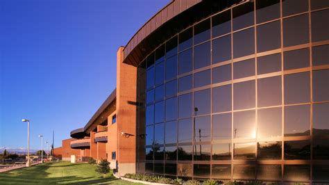 东亚利桑那学院
