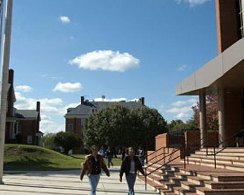 海德马克大学学院