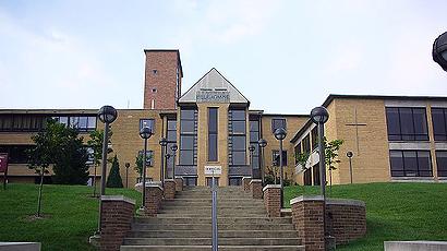贝拉明大学