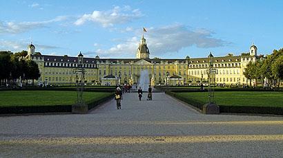 卡尔斯鲁厄大学