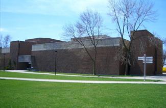 麦克顿大学